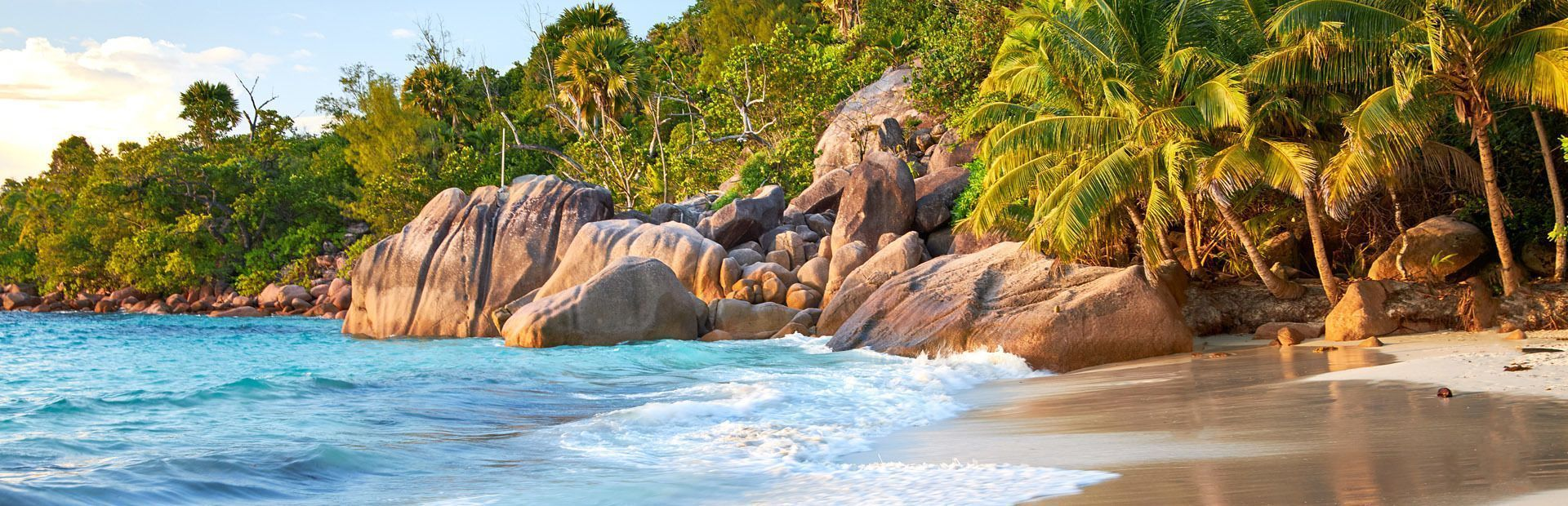 Seychelles: beach life and island discovery